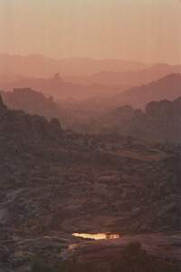 Matunga Hill sunrise (link to Hampi photo exhibit)